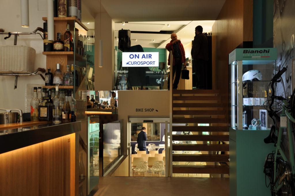 IL GIRO D'ITALIA ENTRA AL BIANCHI CAFE'